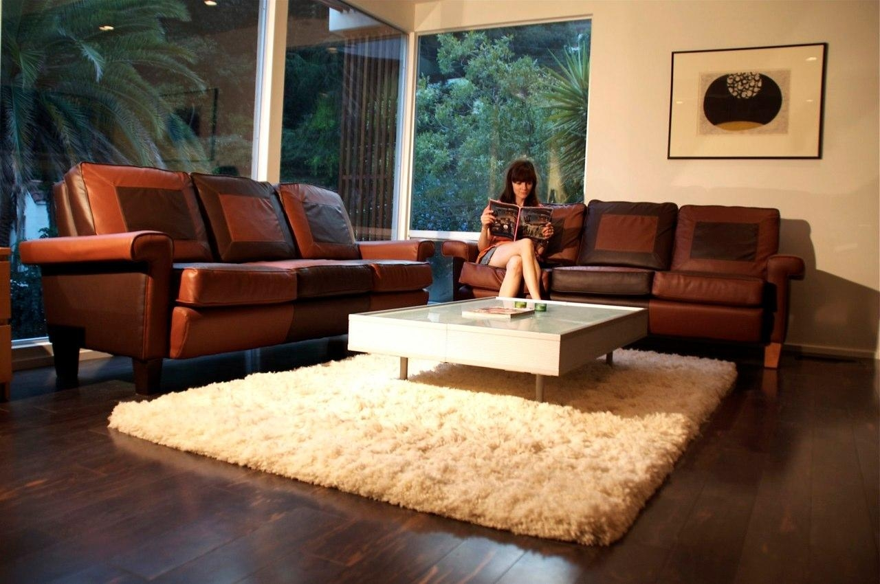 Area Rug In Brown Leather Sofas For Living Room – Carameloffers Throughout Brown Sofa Chairs (Image 8 of 20)
