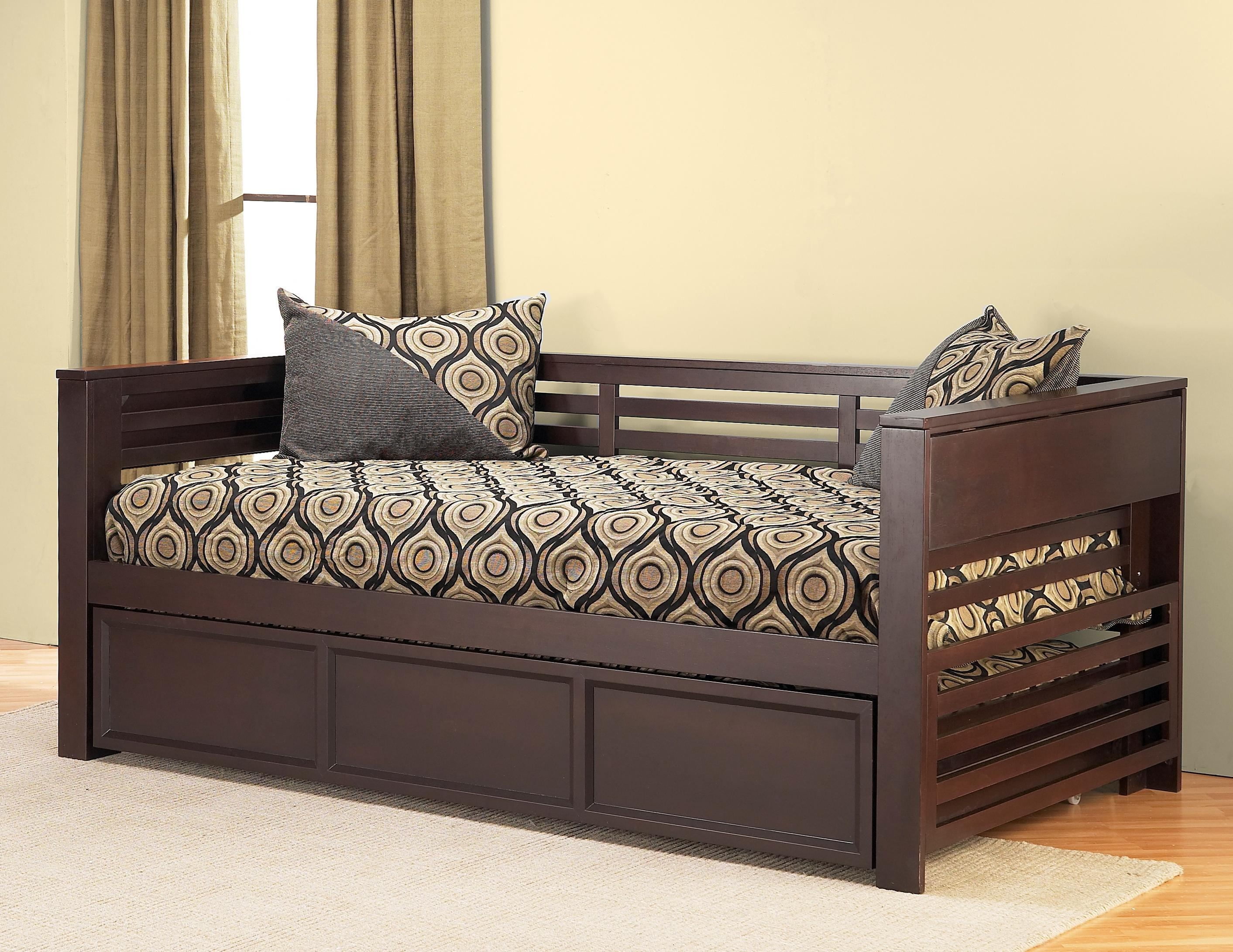 Bedroom: Mesmerizing And Stunning Cheap Daybeds With Trundle For Pertaining To Sofas Daybed With Trundle (Image 1 of 20)