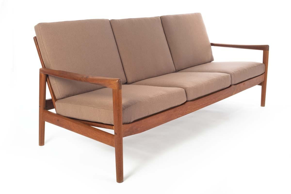Bench Cushion Sofa With Design Photo 25274   Kengire Intended For Bench Cushion Sofas (Image 6 of 20)