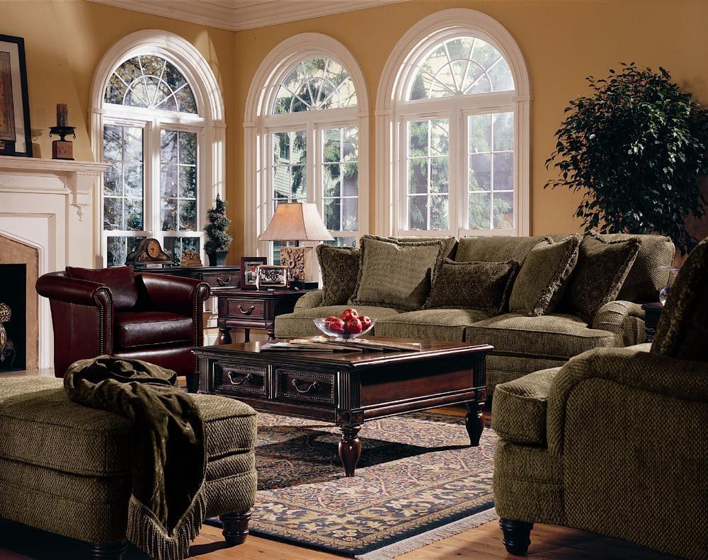 Bernhardt Tarleton Traditional Styled Stationary Sofa In Slightly Inside Bernhardt Tarleton Sofas (View 4 of 20)