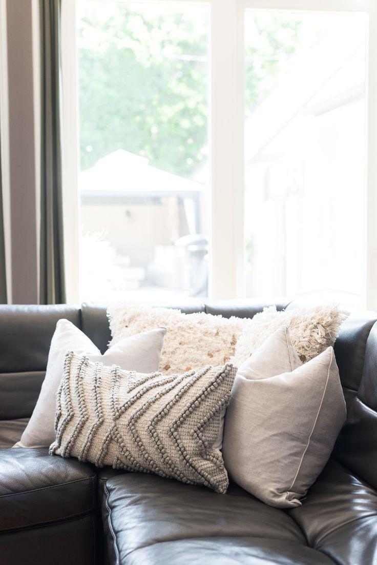 Best 10+ Sofa Pillows Ideas On Pinterest | Couch Pillow Regarding Oversized Sofa Pillows (View 2 of 20)