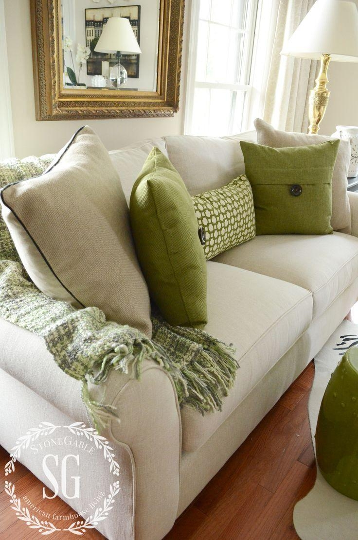 Best 20+ Sofa Throw Ideas On Pinterest | Black White Rooms, Black Throughout Throws For Sofas And Chairs (Image 3 of 20)