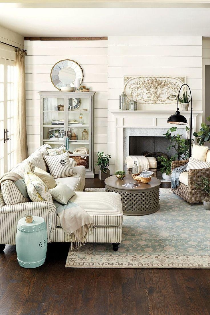 Best 25+ Sectional Sofa Layout Ideas Only On Pinterest | Family Intended For Decorating With A Sectional Sofa (View 11 of 15)