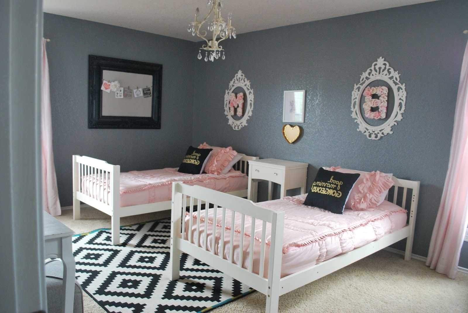 Bits Of Splendor: Girls' Room Makeover With How To Decorate A Girls Room (View 18 of 24)