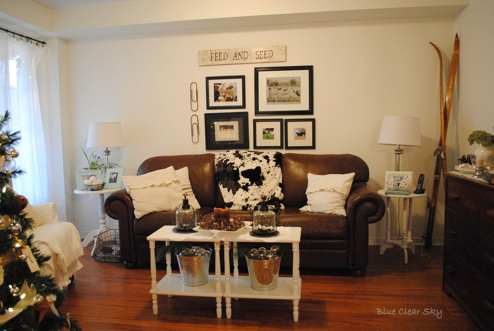 Black And Brown Living Room Decor Best 20+ Black Couch Decor Ideas For Brown Sofas Decorating (View 18 of 20)