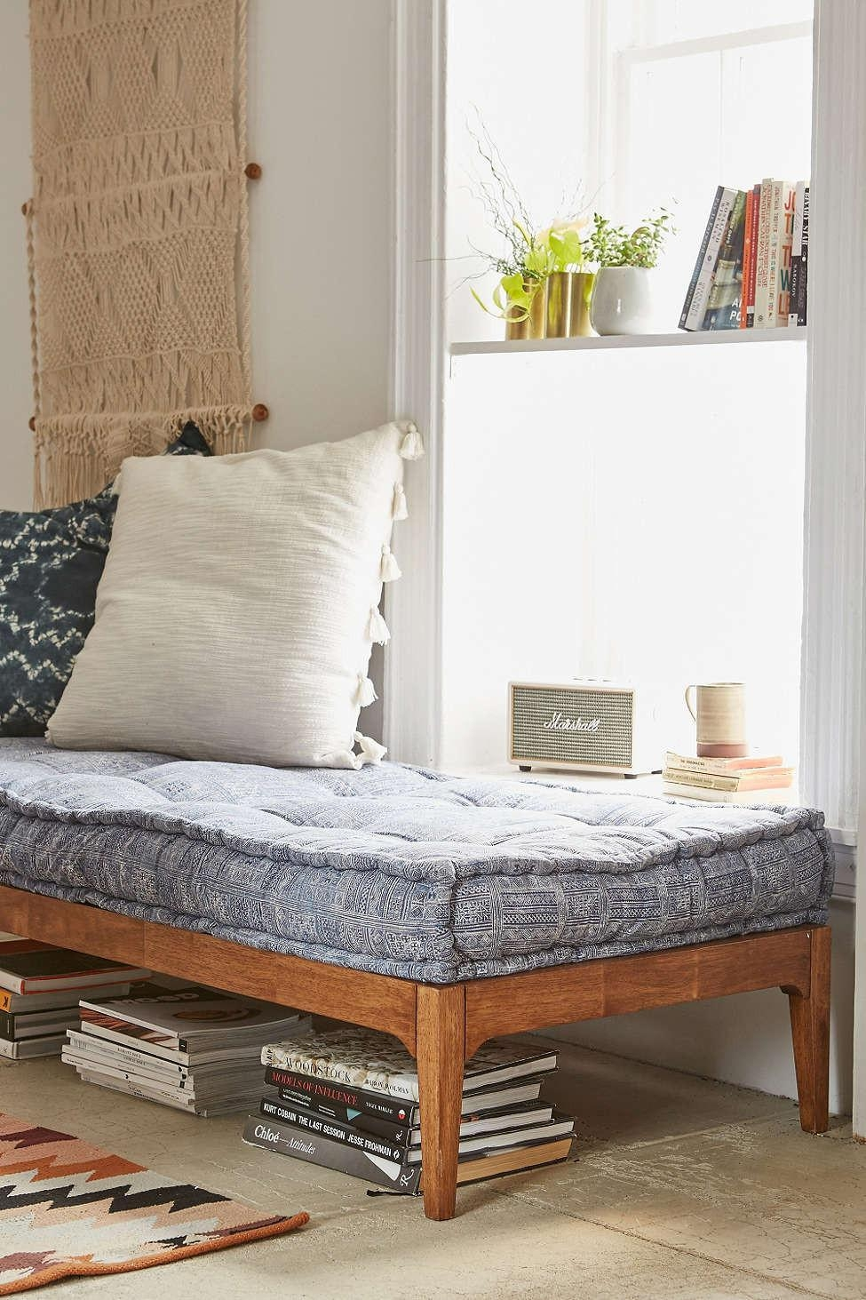 Can You Replace A Sofa With A Daybed? – Decorating – Lonny With Regard To Sofa Day Beds (View 8 of 20)