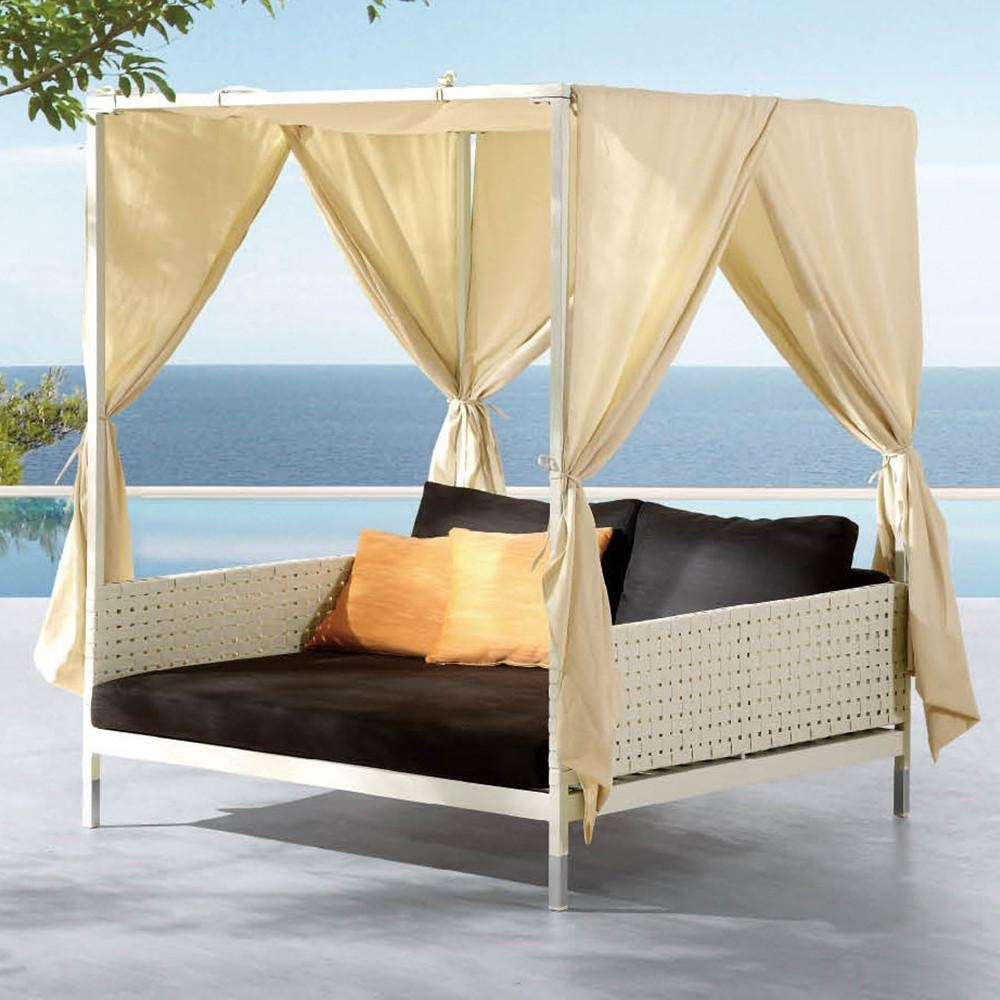 Canopy Bed Outdoor, Canopy Bed Outdoor Suppliers And Manufacturers With Regard To Outdoor Sofas With Canopy (View 14 of 20)