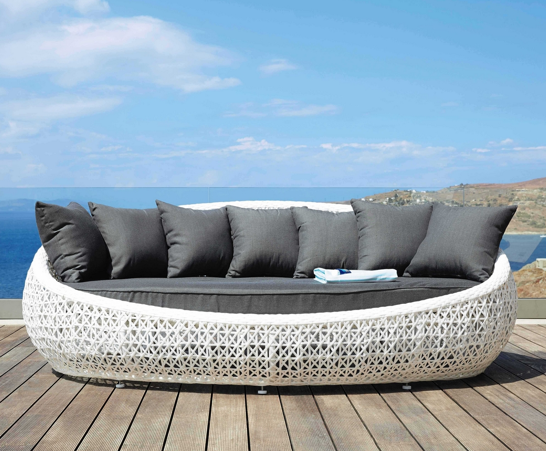 Champagne Floating Sofa – White With Dark Pillows – Zerafino Regarding Floating Sofas (Image 2 of 20)