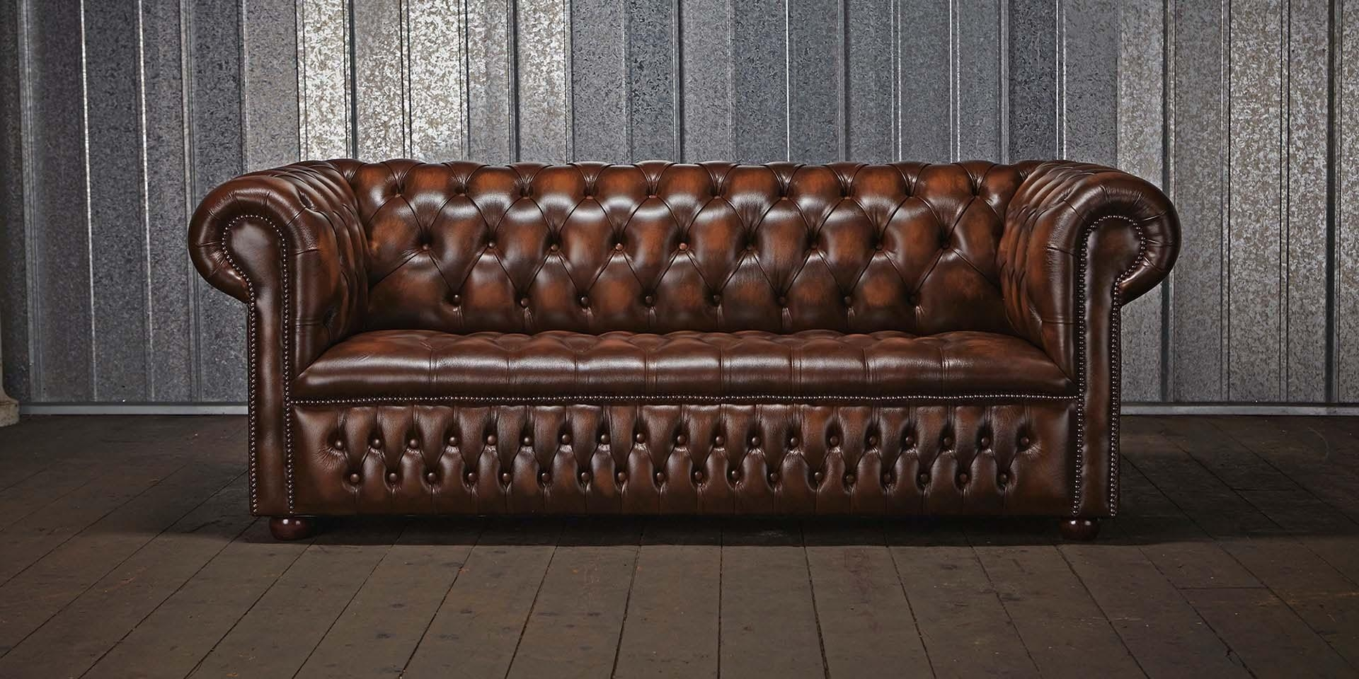 Featured Image of Leather Chesterfield Sofas