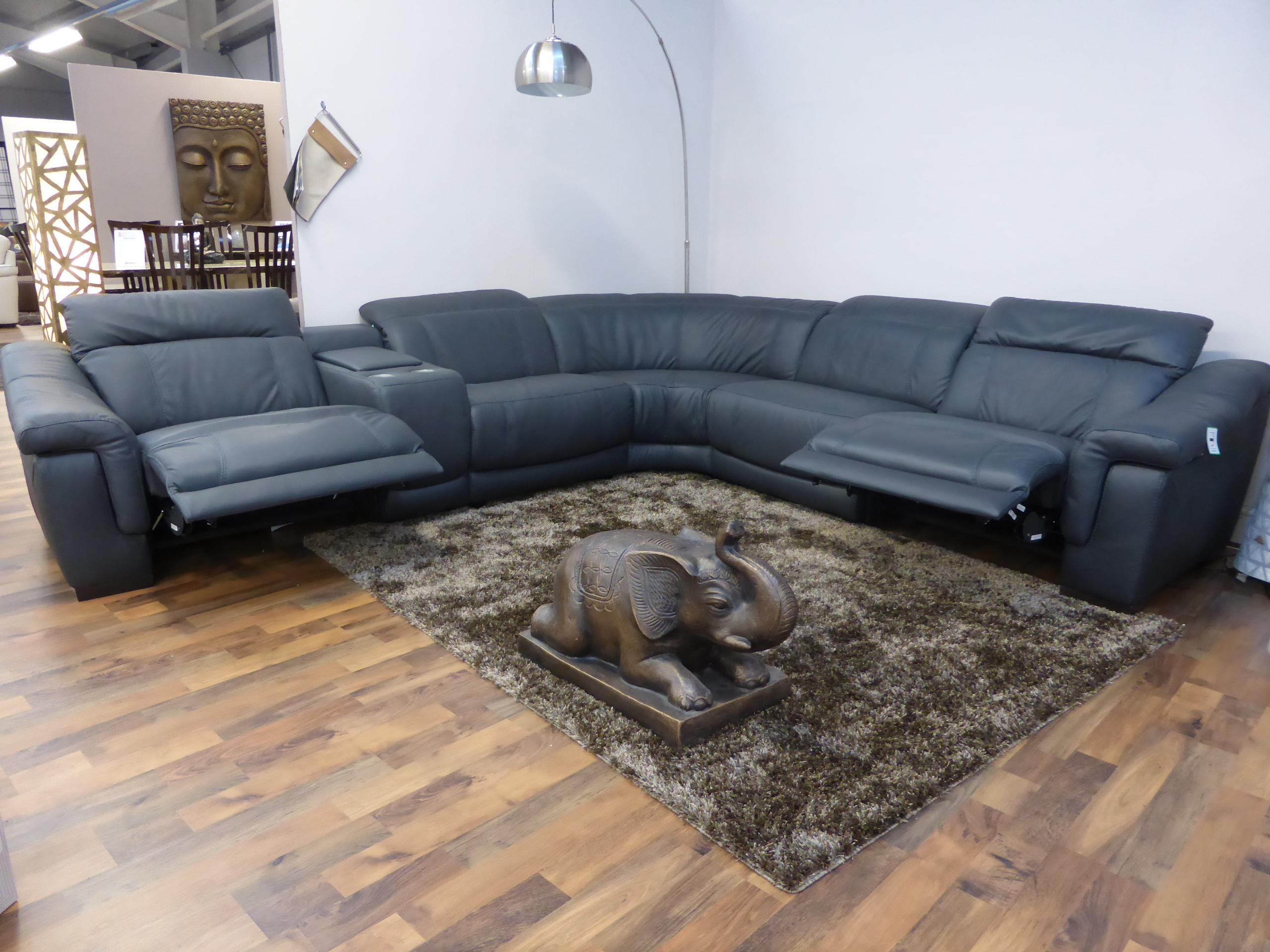 Chinaklsk Pertaining To Italian Recliner Sofas (Image 4 of 20)