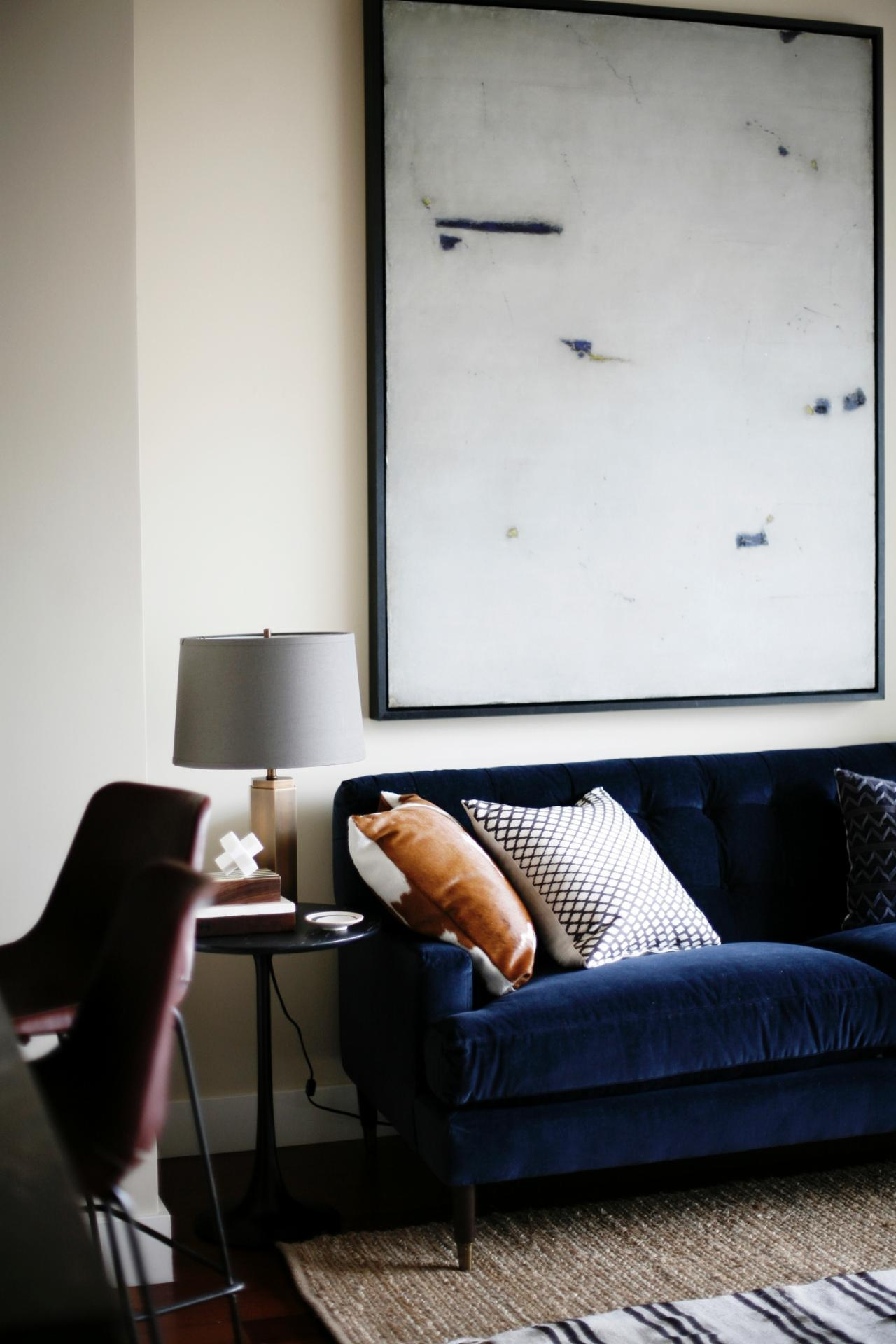 Cool Down Your Design With Blue Velvet Furniture | Hgtv's Regarding Midnight Blue Sofas (View 9 of 20)