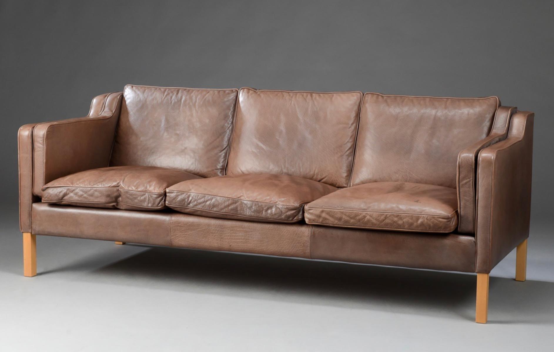 Danish Leather Sofa – Bürostuhl In Danish Leather Sofas (Image 2 of 20)