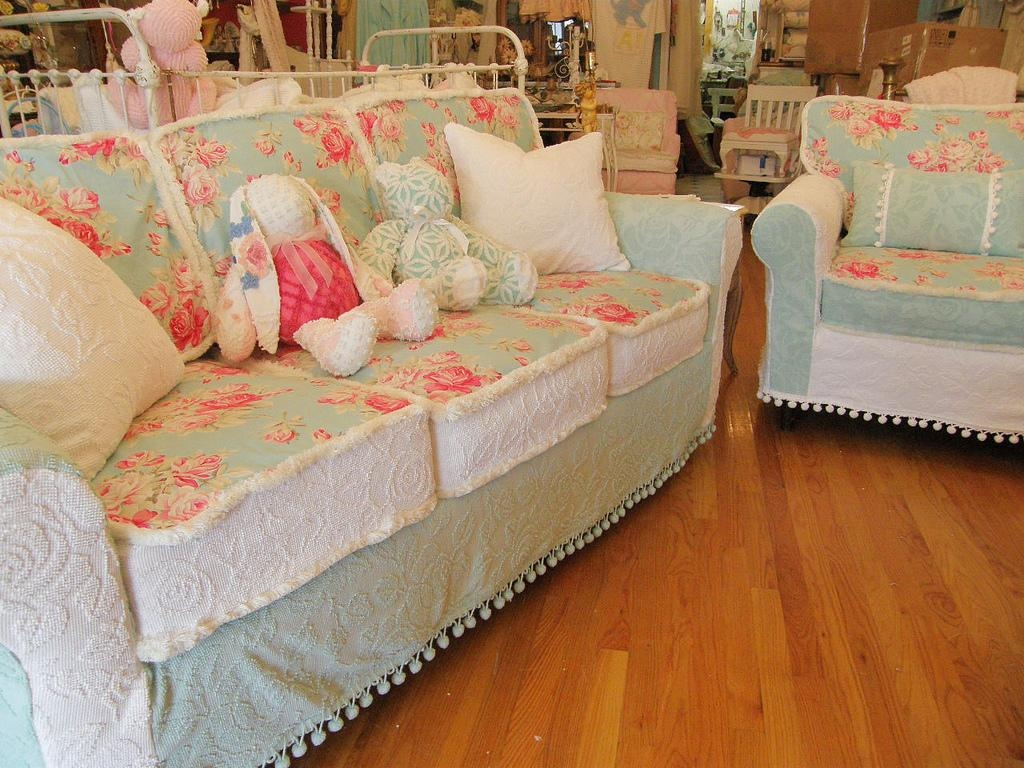 Decor: Shabby Chic Slipcovers | Slipcovers For Upholstered Chairs With Regard To Shabby Chic Sofas Covers (Image 10 of 20)