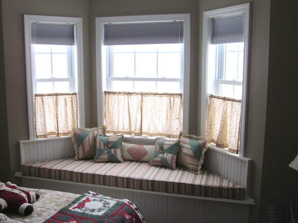sofas for bay windows - Home Design And Decor