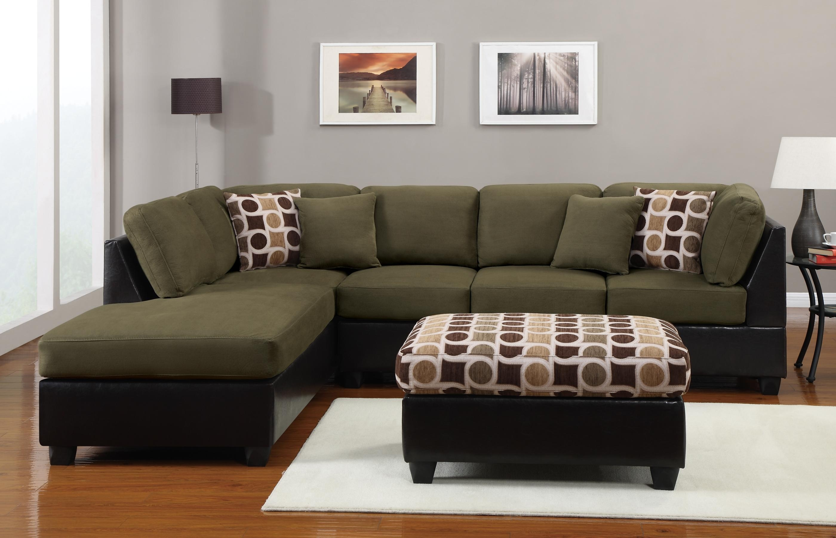 Decorating Ideas For Green Couch In Living Room For Green Microfiber Sofas (Image 1 of 20)