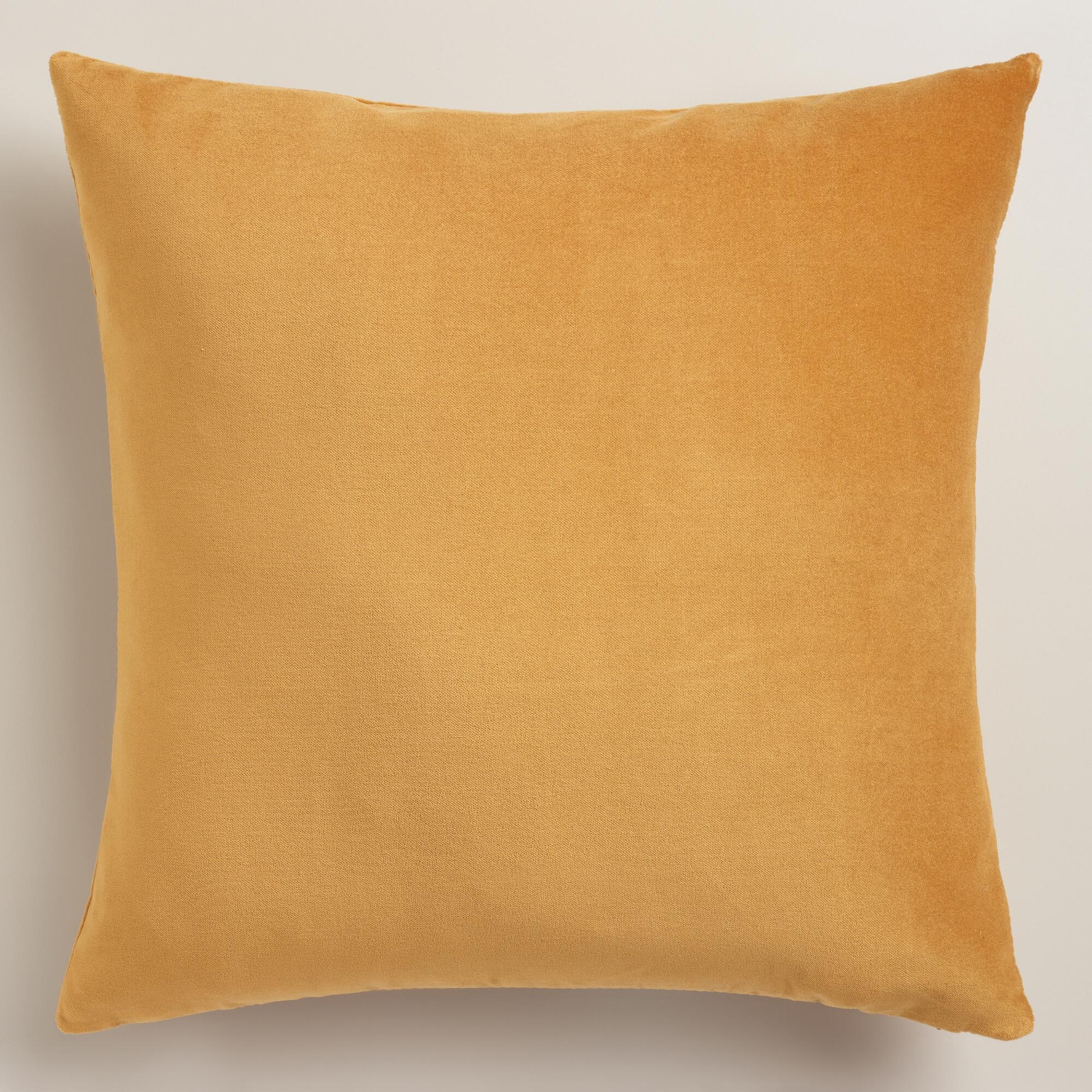 Decorative Gold Throw Pillows | Home Designjohn Regarding Gold Sofa Pillows  (Image 4 Of 20