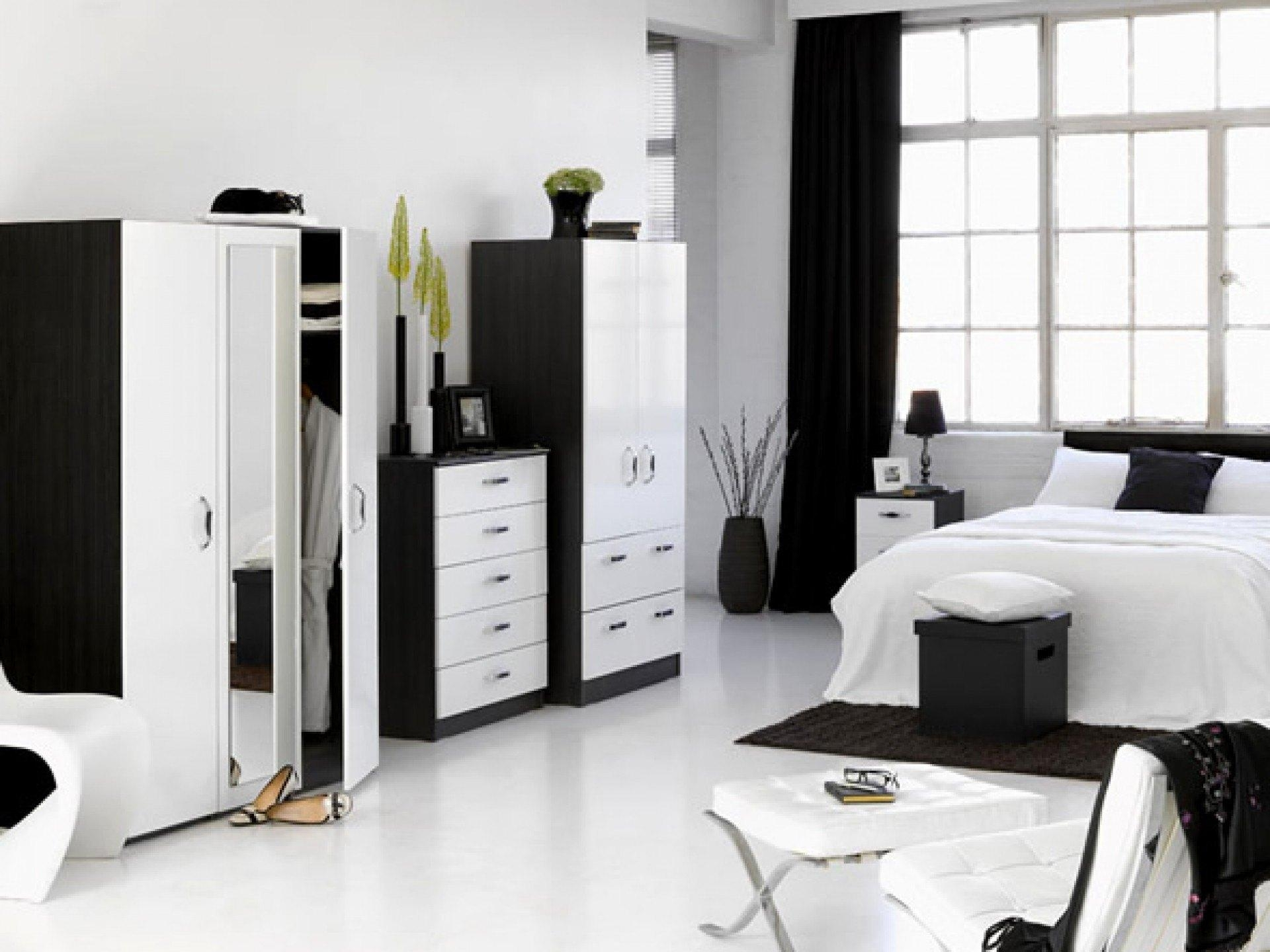 Emejing Black And White Bedroom Set Ideas – Home Design Ideas With Regard To Sofas Black And White Colors (Image 15 of 20)