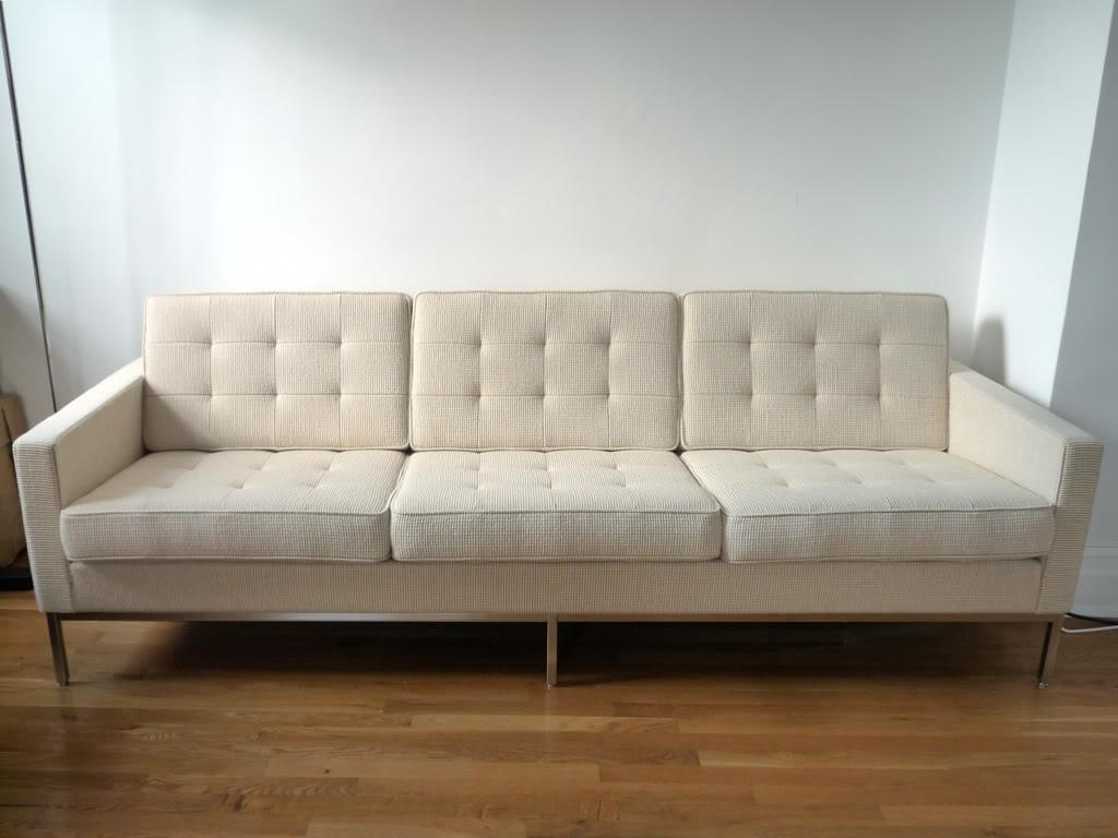 Florence Knoll Sofa Design #14190 Inside Florence Knoll Wood Legs Sofas (View 20 of 20)