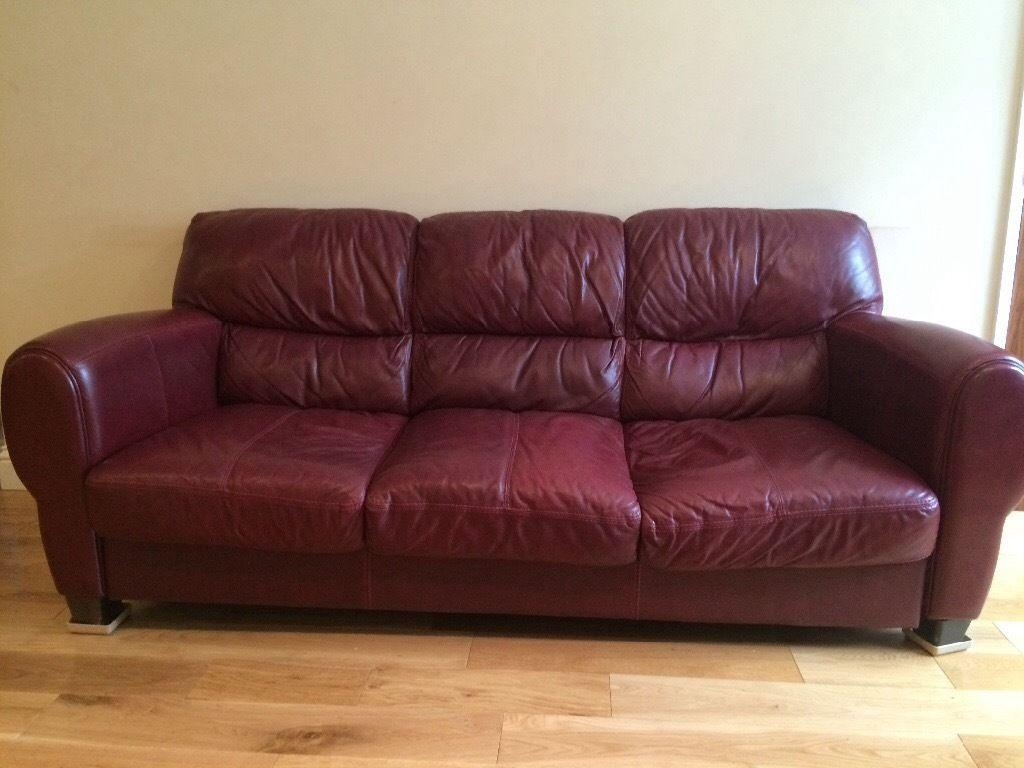 Furniture: Burgundy Leather Sofa And Loveseat | Burgundy Sofa With Burgundy Sectional Sofas (Image 9 of 20)