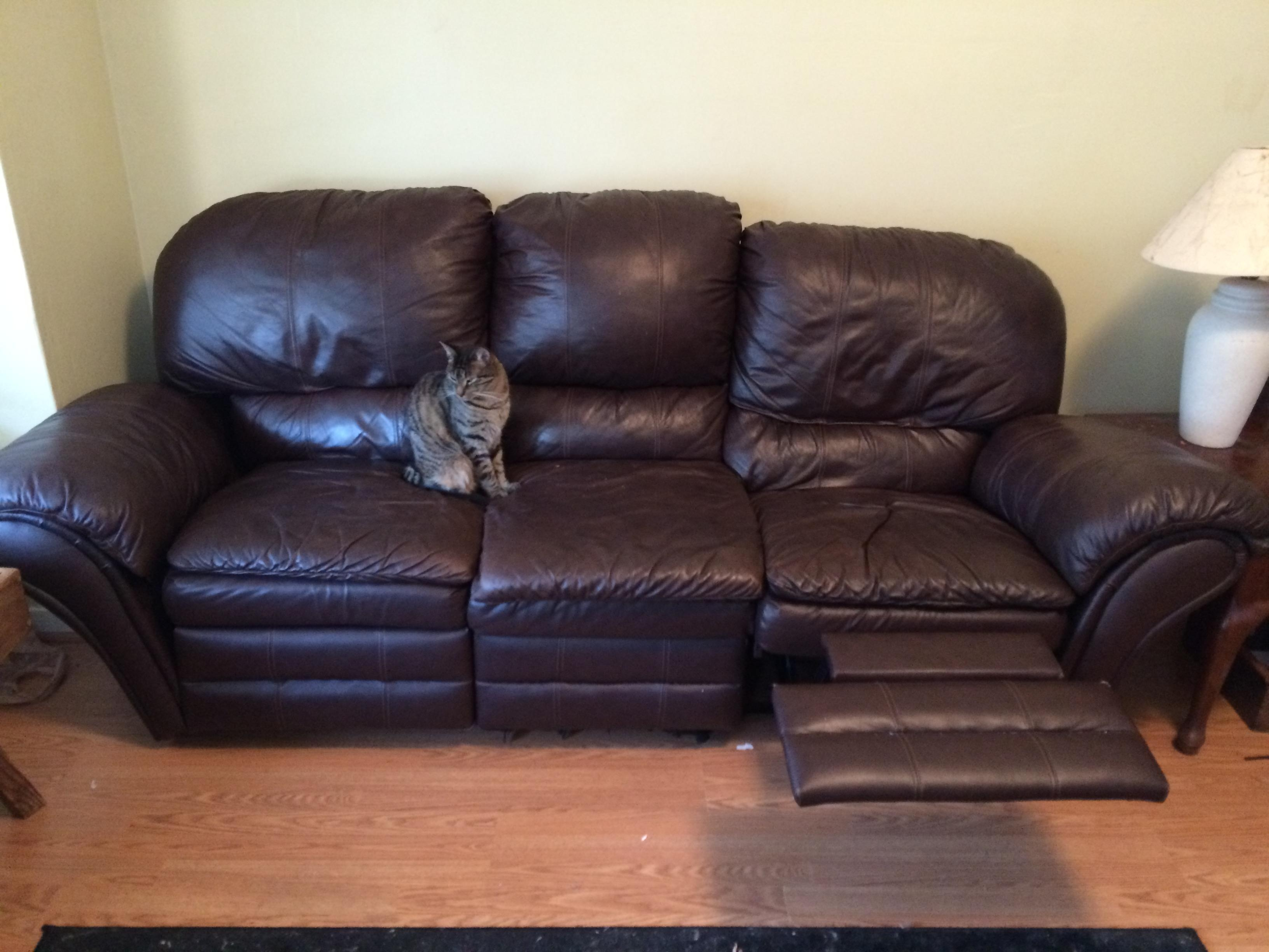 Furniture: Cheap Couches For Sale | Chesterfield Sofa Craigslist With Craigslist Chesterfield Sofas (View 12 of 20)