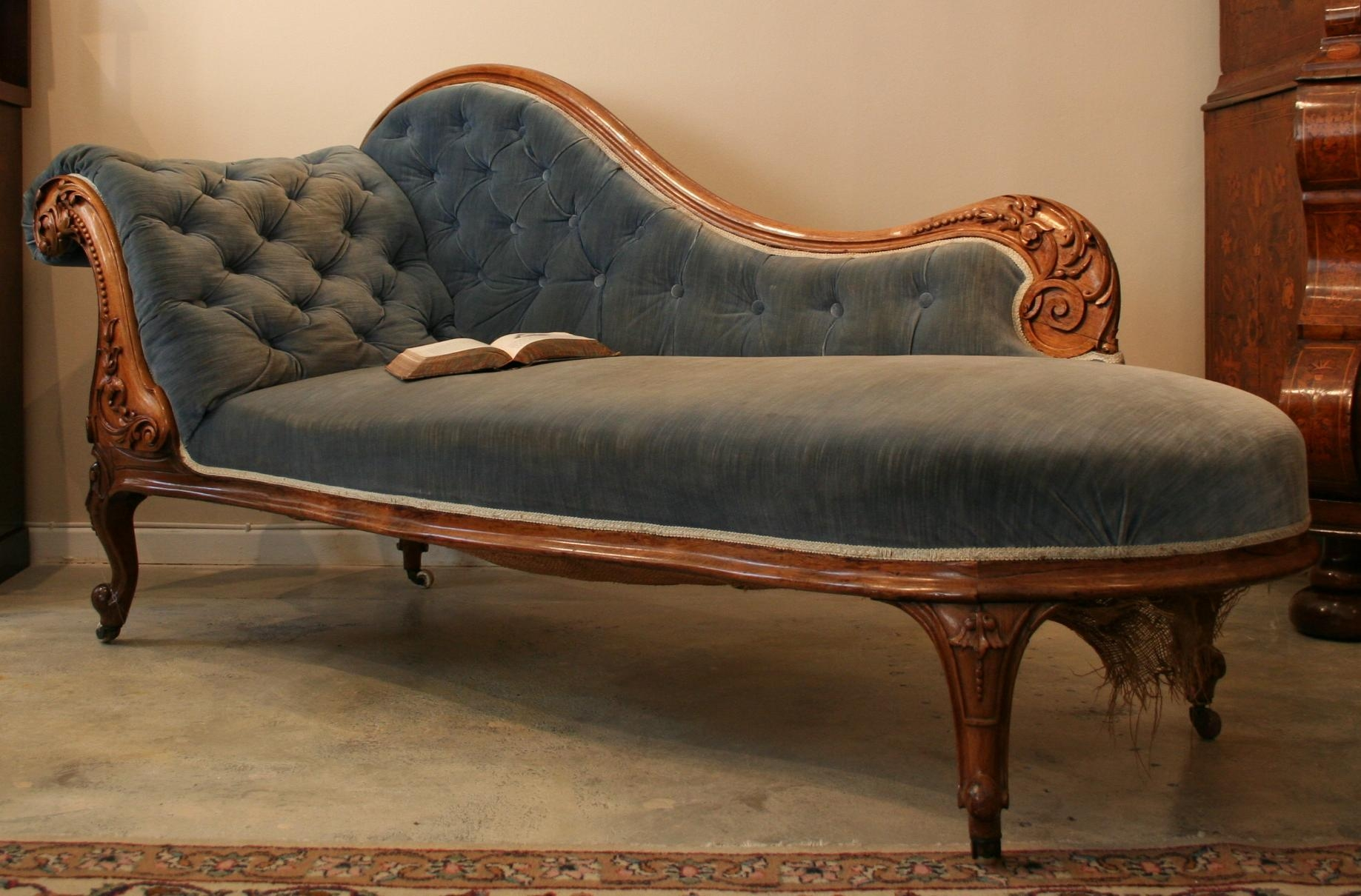 Furniture: Fabulous Fainting Couch For Living Room Or Bedroom For Antoinette Fainting Sofas (Image 19 of 20)