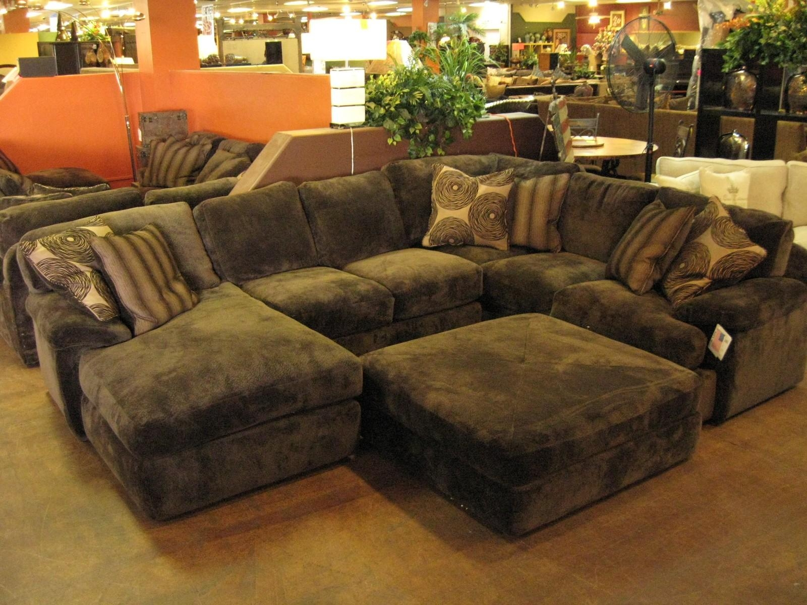 Furniture: Interesting Living Room Interior Using Large Sectional Inside Sectional With Ottoman And Chaise (View 2 of 20)