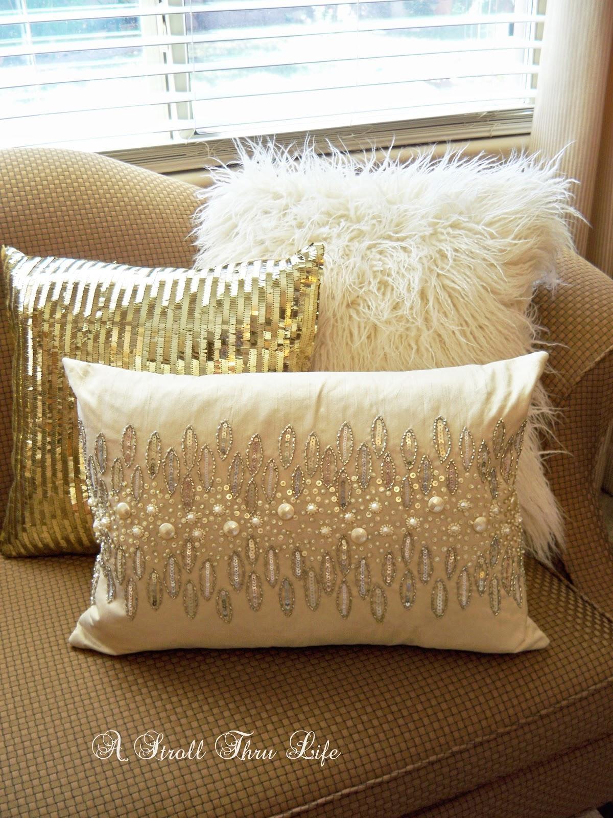 Gold Sofa Pillows | Tehranmix Decoration Regarding Gold Sofa Pillows (View 8 of 20)