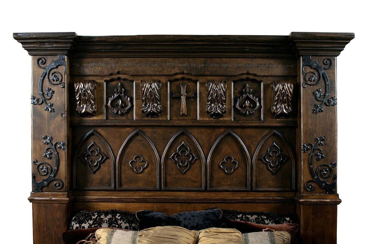 Gothic High Style Bed High End Bedroom Set With Regard To Gothic Sofas (View 17 of 20)