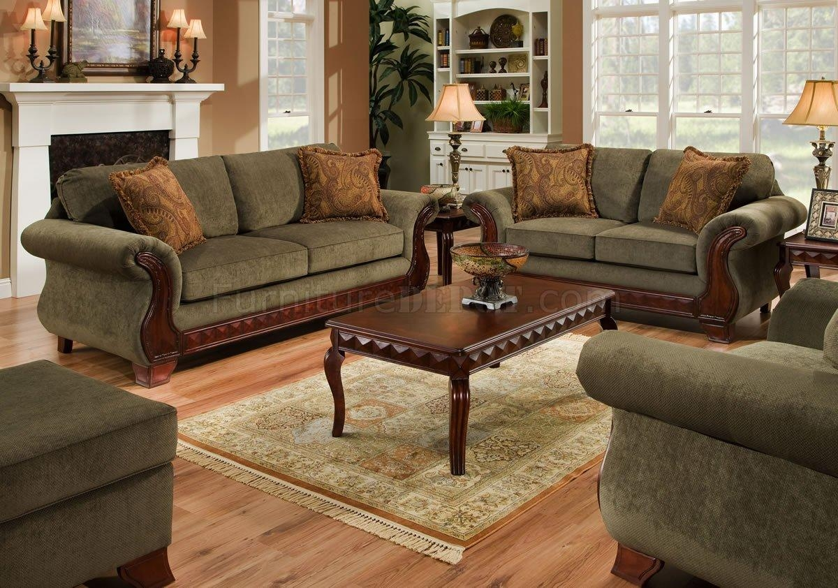 Green Fabric Traditional Sofa & Loveseat Set W/carved Wood Legs Intended For Traditional Fabric Sofas (View 13 of 20)