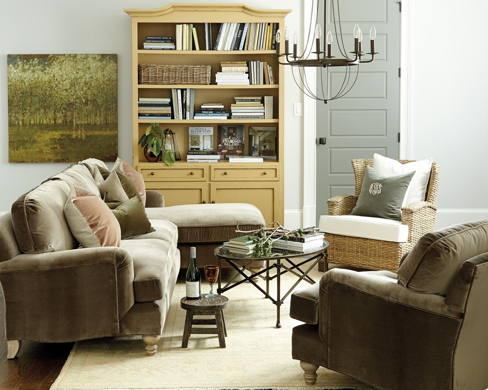 How To Match A Coffee Table To Your Sectional – How To Decorate Within Coffee Table For Sectional Sofa (Image 12 of 15)