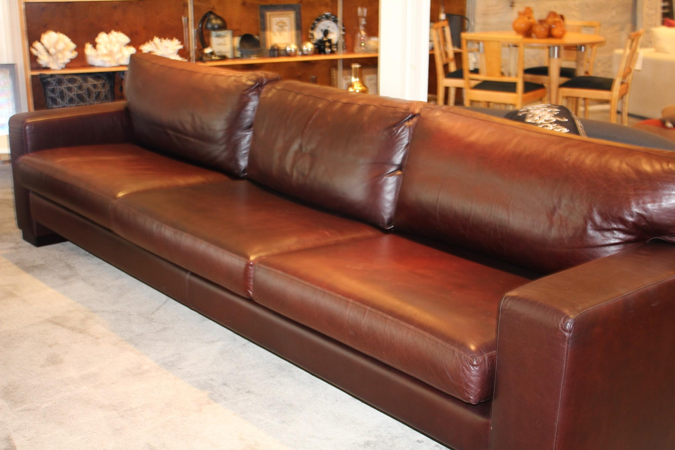 Featured Image of Overstuffed Sofas And Chairs