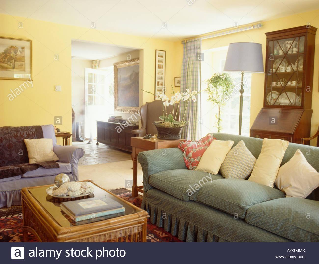 Interiors Sittingroom Sofa Yellow Stock Photos & Interiors Throughout Yellow Chintz Sofas (View 5 of 20)