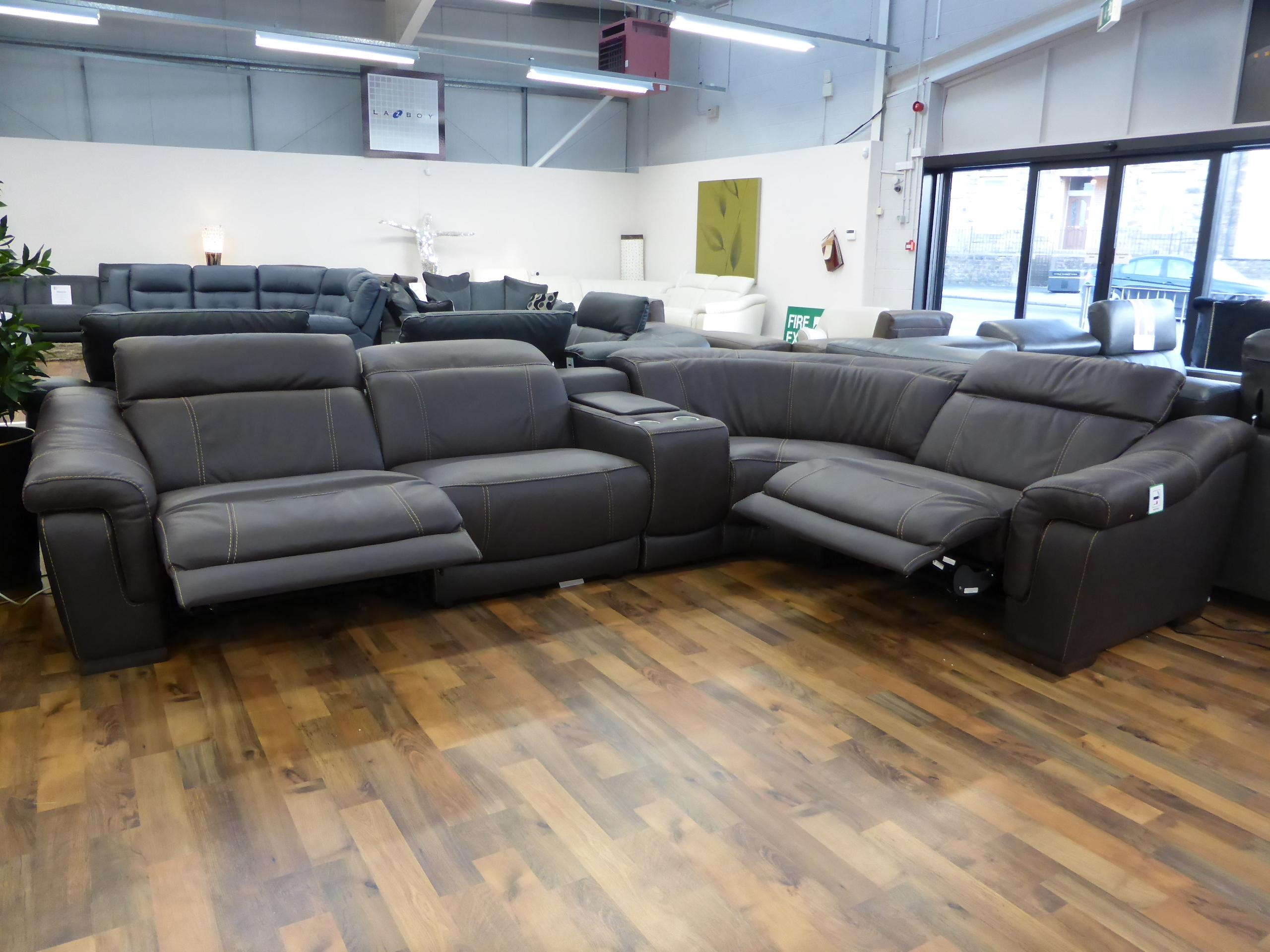 Italian Leather Reclining Sofa | Sofa Gallery | Kengire With Regard To Italian Recliner Sofas (Image 7 of 20)