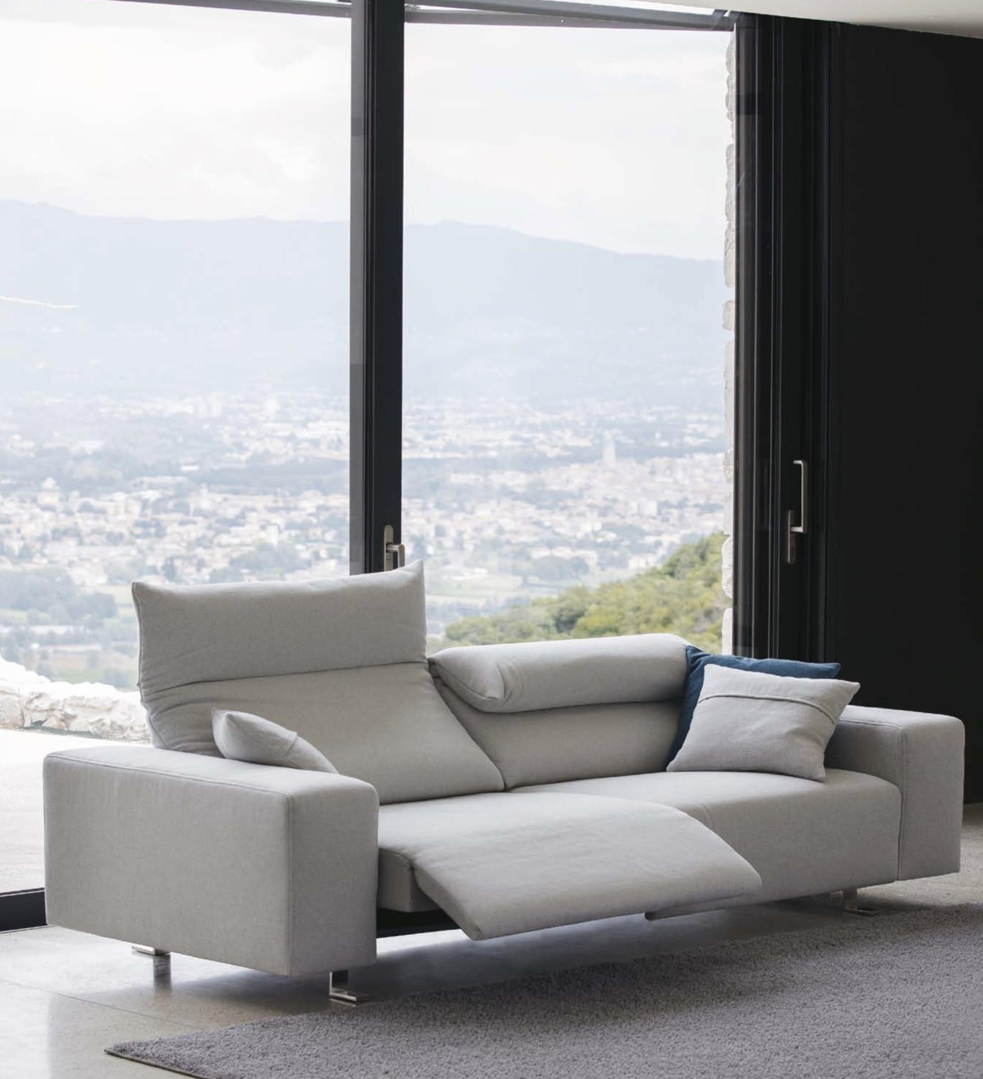 Italian Sofas At Momentoitalia – Modern Sofas,designer Sofas For Contemporary Sofa Chairs (Image 14 of 20)