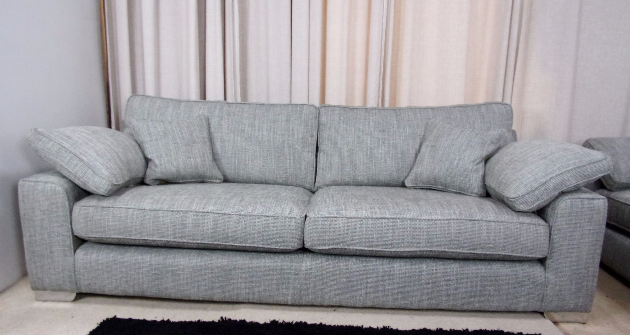Featured Image of Large 4 Seater Sofas