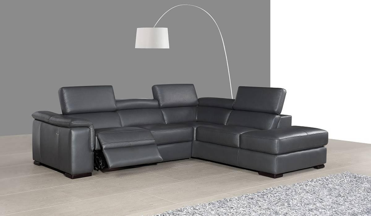 Leather Sectionals With Recliners. Sofas With Power Reclining Footrest Intended For Sectional Sofas With Electric Recliners (Photo 9 of 22)