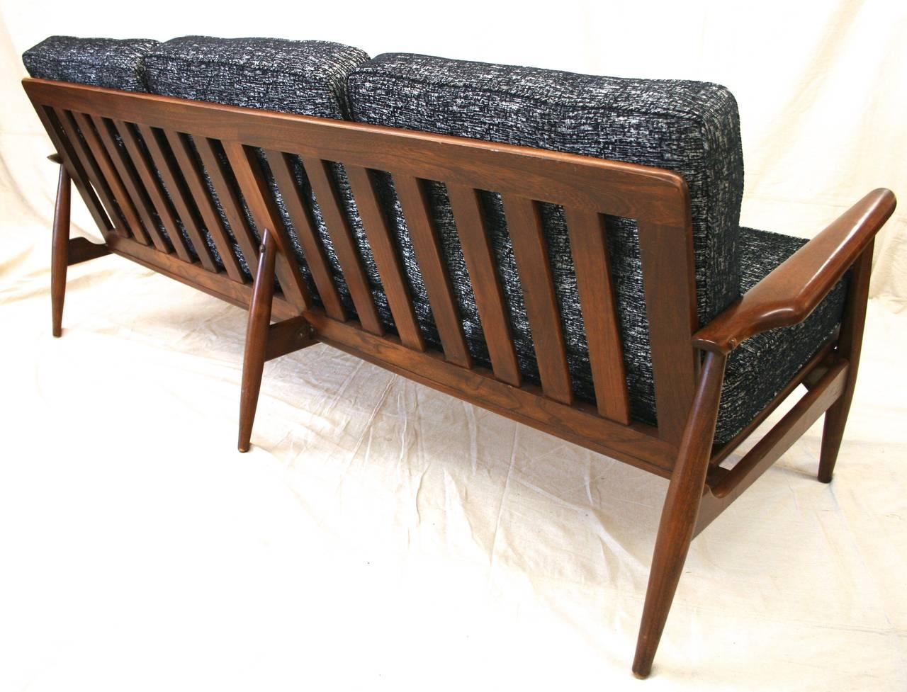 Modern danish sofa long scandinavian modern sofa danish for Danish modern reproduction