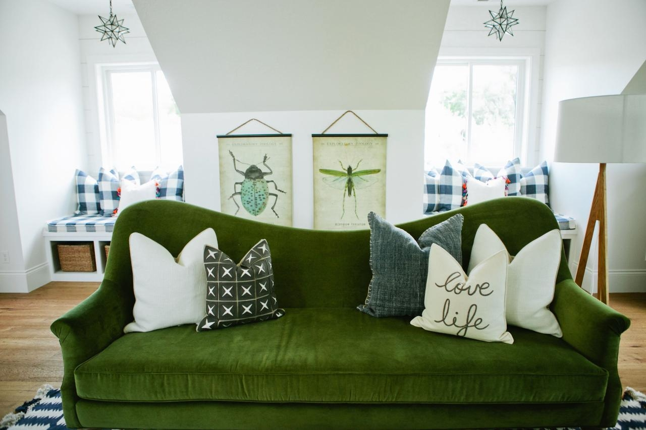 Mint Green With Dark Green Living Room Furniture – Carameloffers For Mint Green Sofas (View 12 of 20)