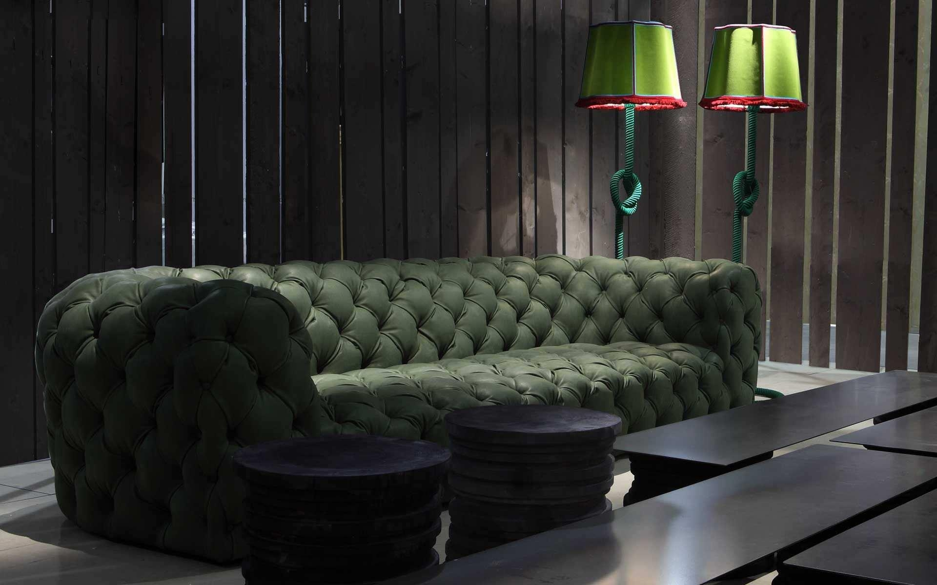 Modern Chesterfield Sofa — Liberty Interior : Classic Chesterfield For Tufted Leather Chesterfield Sofas (View 18 of 20)