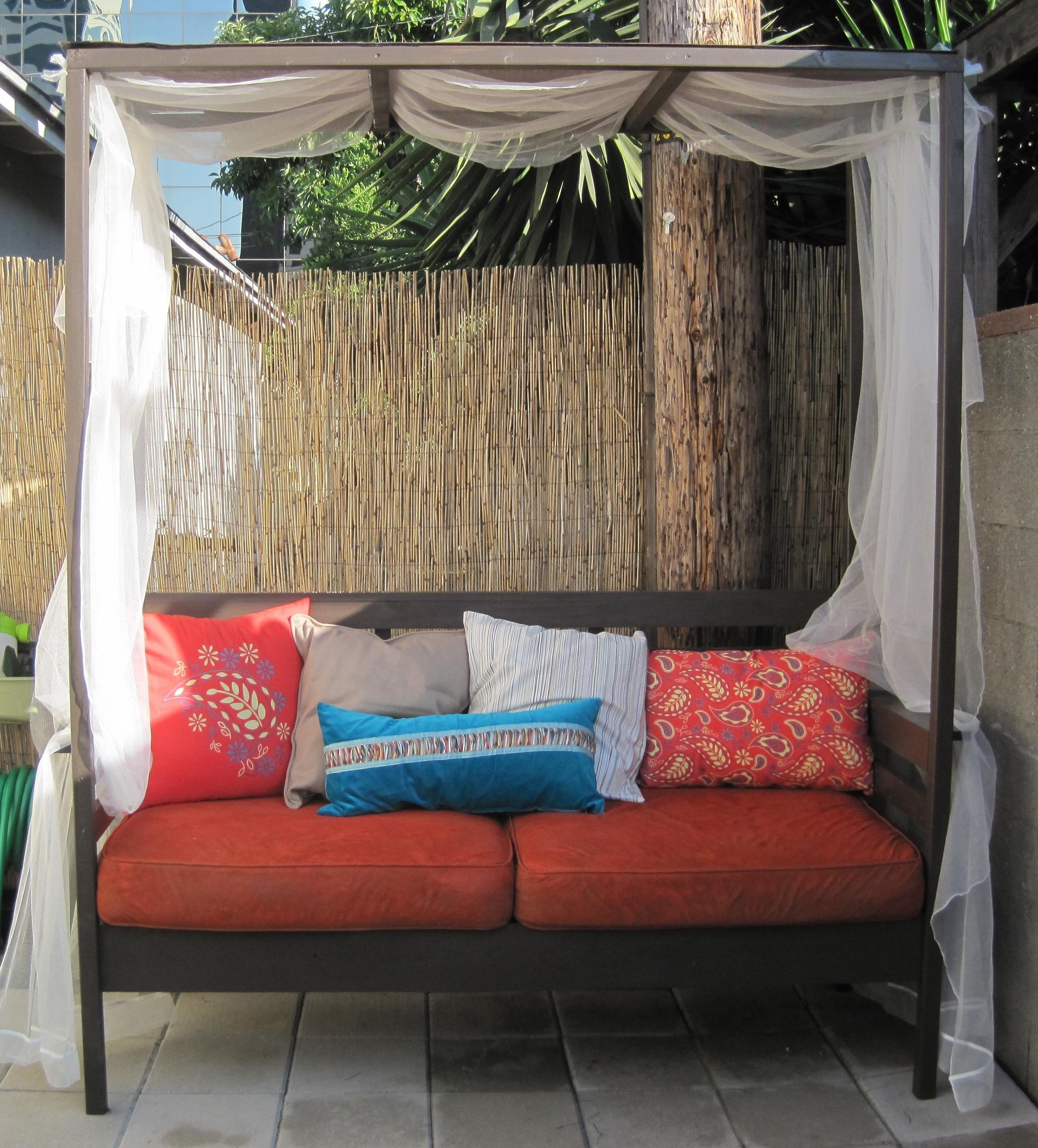 Outdoor Daybed With Canopy Inside Outdoor Sofas With Canopy (View 12 of 20)