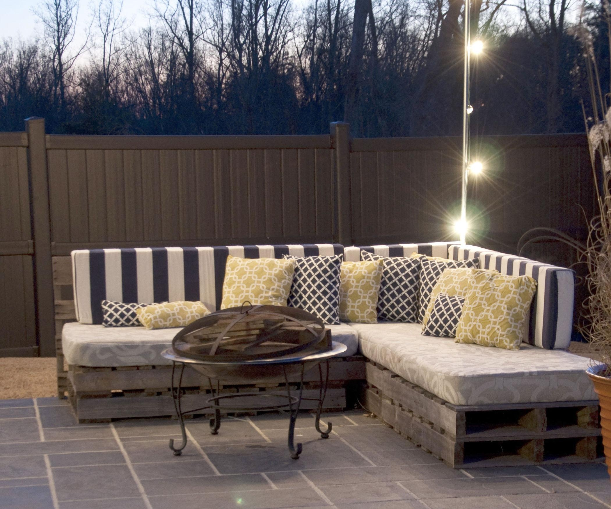 Featured Photo of Pallet Sofas