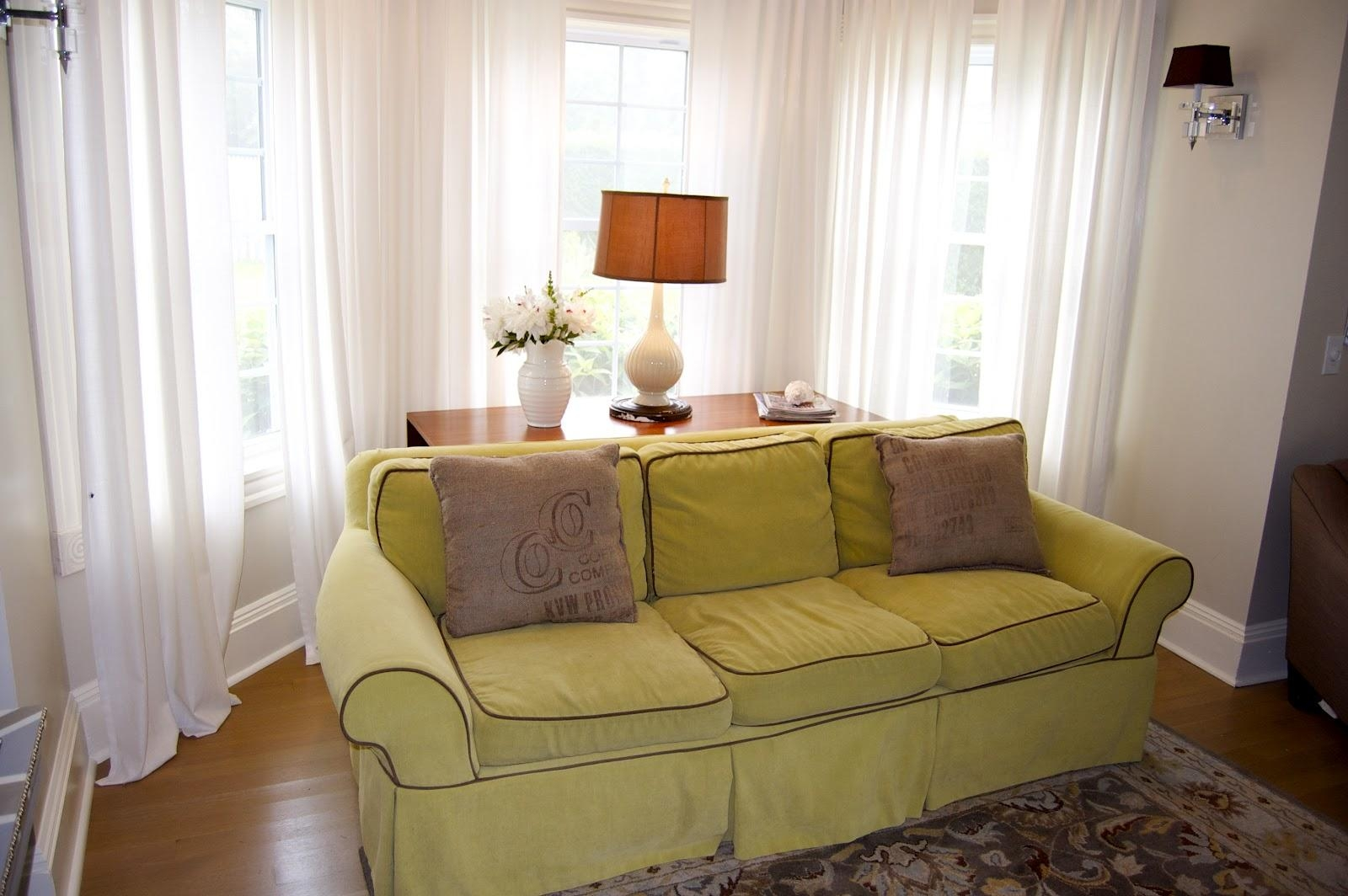 Perfect Living Room Filled With Pleasant Lime Green Sofa In Front For The Bay Sofas (Image 8 of 20)