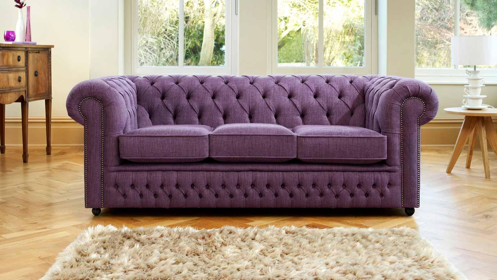 Featured Image of Purple Chesterfield Sofas