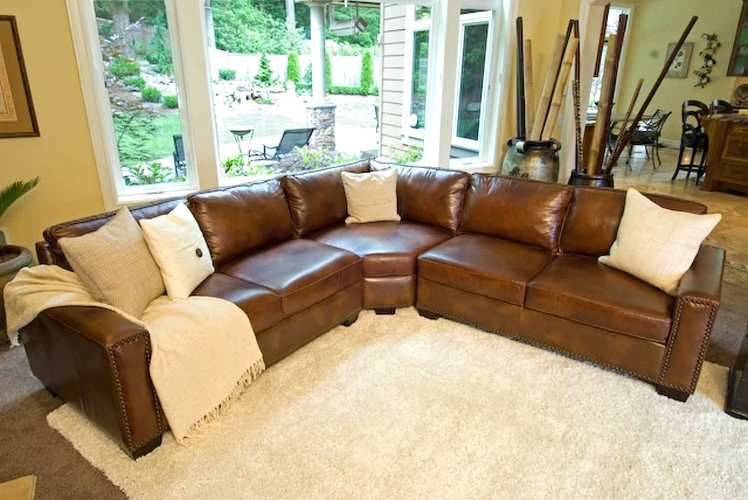 Scandinavian Leather Sofas Red Sectional U Shaped Sofa For Living In Bomber Leather Sofas (View 14 of 20)