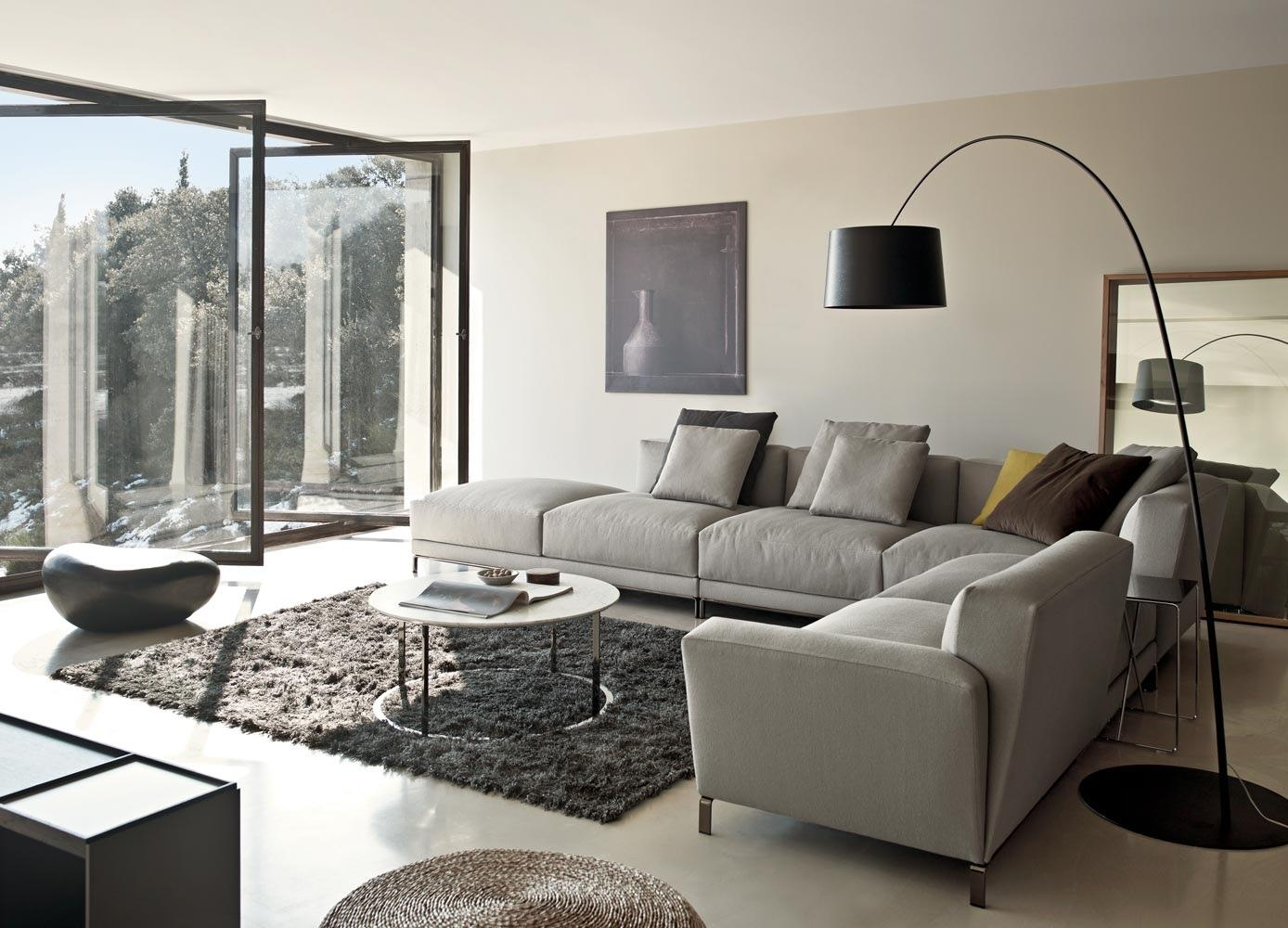 Sectional Living Room Design | Latest Gallery Photo In Decorating With A Sectional Sofa (Image 14 of 15)