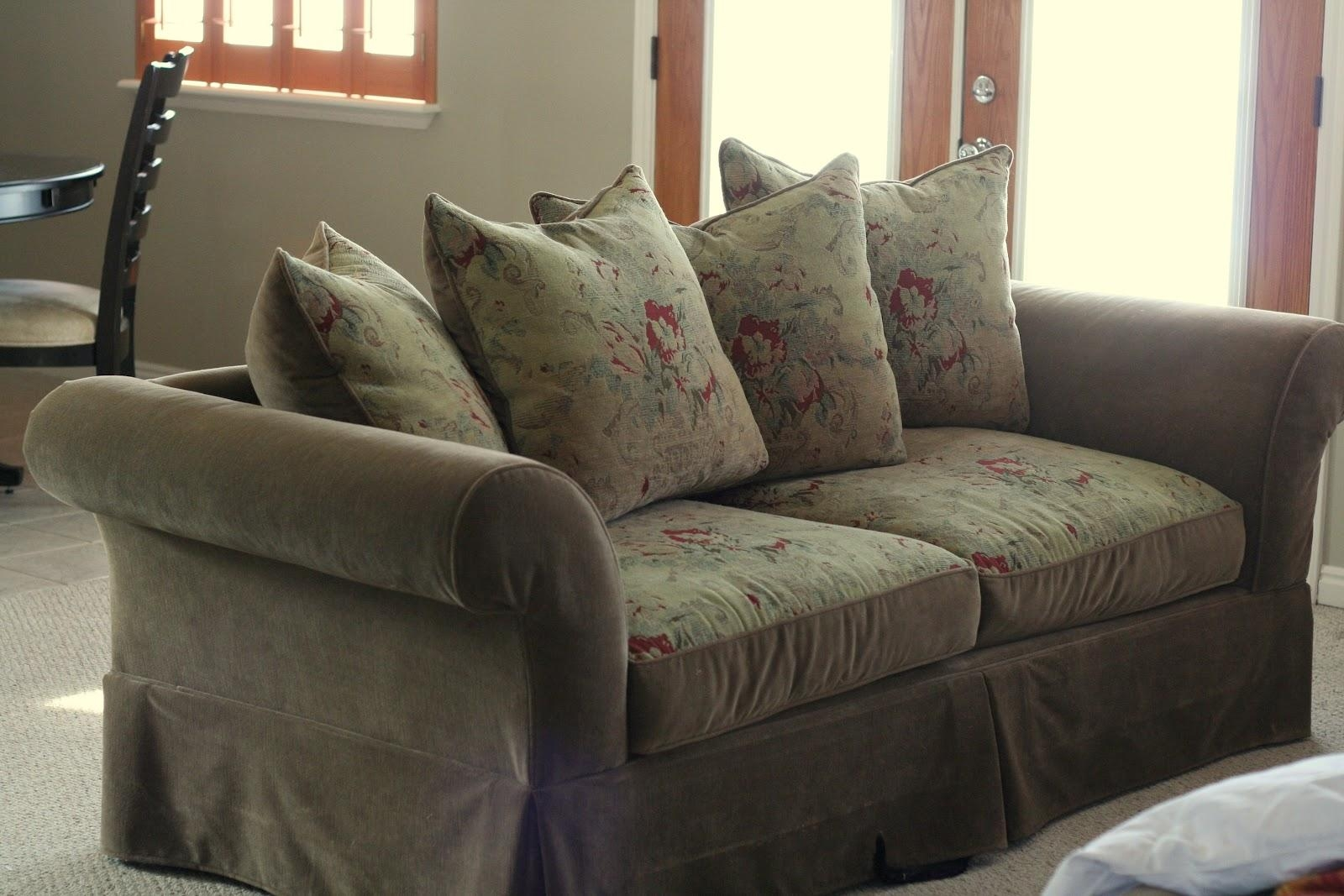 Slipcovers Sofa Pillows | Sofas Decoration With Regard To Loose Pillow Back Sofas (Image 17 of 20)