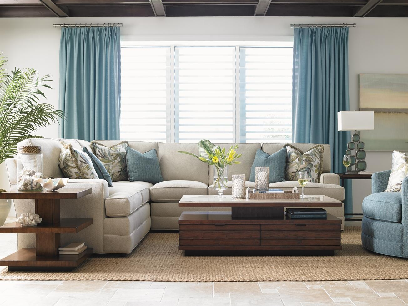 White Sofa Living Room Ideas – Creditrestore With Regard To Blue And White Sofas (Image 20 of 20)