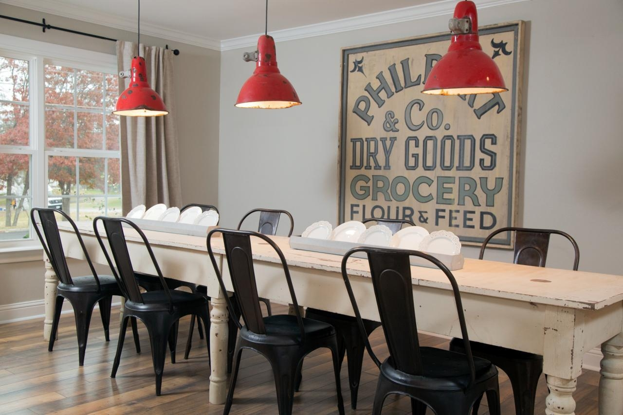 15 Ways To Dress Up Your Dining Room Walls | Hgtv's Decorating Regarding Wall Art For Dining Room (Image 4 of 20)