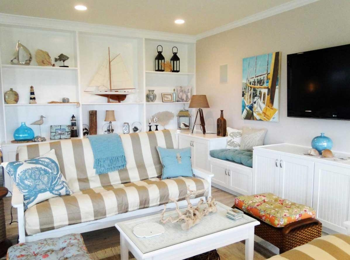 Beach House Wall Decor With White Wall Paint Color | Home Interior With Regard To Beach Cottage Wall Decors (Image 5 of 20)