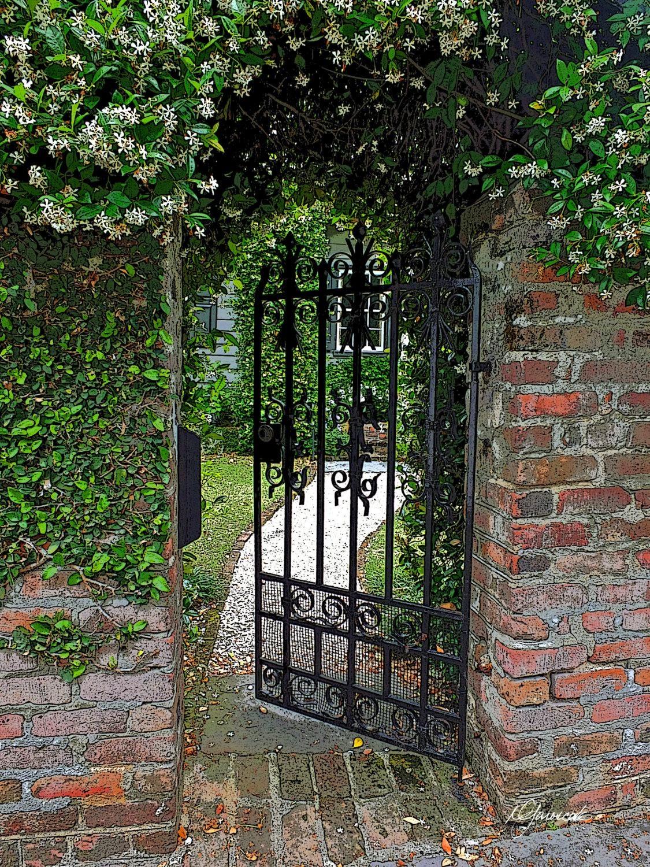 Best iron gate wall art ideas